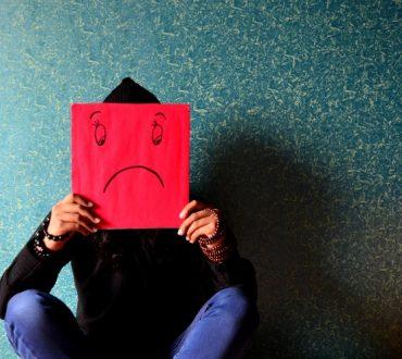 Φθινοπωρινή μελαγχολία: Ποια είναι τα συμπτώματά της και πώς να την υπερνικήσουμε