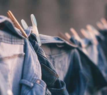 11 συμβουλές για να στεγνώνουμε τα ρούχα μας ευκολότερα τον χειμώνα