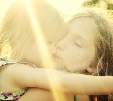 Μια αγκαλιά γεμάτη φως