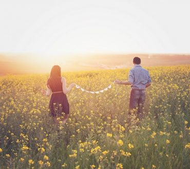 Αληθινή αγάπη είναι να αποδεχόμαστε το σύντροφό μας όπως είναι και όχι να τον αλλάζουμε