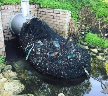Αυστραλία: Οι αρχές εφηύραν έναν πρωτότυπο τρόπο να καθαρίζουν το νερό από τα απορρίμματα!