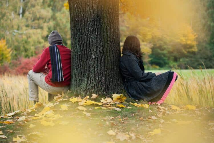Γιατί μένουμε σε σχέσεις που μας κάνουν δυστυχισμένους;