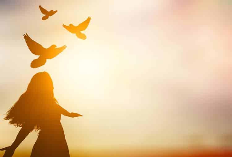 Η συγχώρεση είναι ο μόνος τρόπος να επουλώσουμε τις πληγές μας και να  λυτρωθούμε από το παρελθόν - Εναλλακτική Δράση