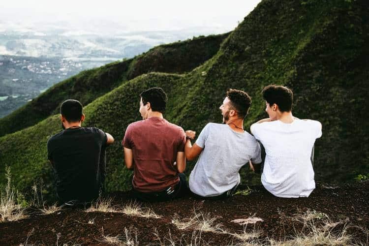 Βρείτε φίλους που σας «ξεβολεύουν»