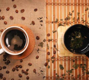 Είστε λάτρεις του καφέ ή του τσαγιού; Νέα έρευνα εξηγεί τους παράγοντες που συμβάλλουν στην προτίμηση