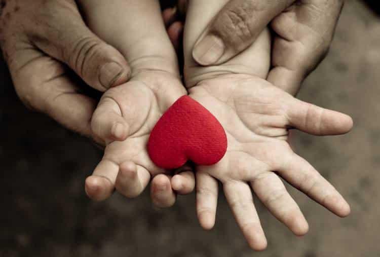 Μπορεί να διδαχθεί η συμπόνια; Νέα έρευνα δίνει θετική απάντηση