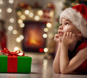 Πώς να διαχειριστούμε τις υπερβολικές απαιτήσεις των παιδιών κατά τη διάρκεια των γιορτών