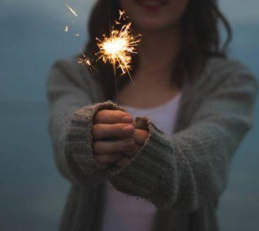 Τα συναισθήματά μας δεν τα δημιουργούν τα αντικείμενα, οι άνθρωποι, τα γεγονότα αλλά εμείς