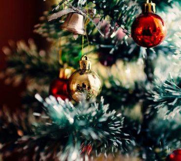 8 τρόποι να διαχειριστούμε τους «δύσκολους» συγγενείς κατά τη διάρκεια των γιορτών