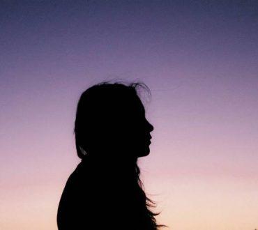 Τι συμβαίνει όταν παραμένουμε κολλημένοι στα «ασυγχώρητα» λάθη των άλλων
