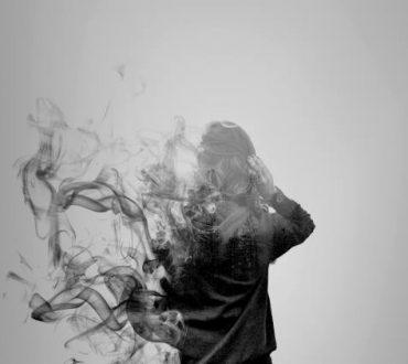 Δύναμη έχεις όταν βρίσκεις το κουράγιο να φύγεις από εκεί που δεν υπάρχει τίποτα πια να σε κρατά