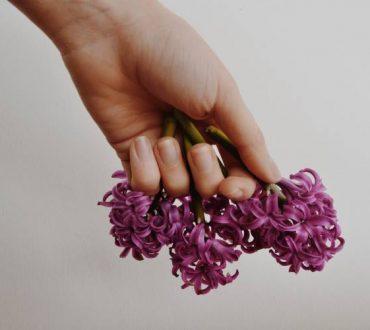 7 φυσικοί τρόποι για να διατηρήσουμε τα νύχια μας υγιή