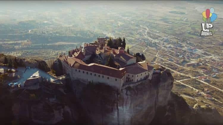 Μετέωρα: Ο «κρεμαστός παράδεισος» της Ελλάδας από ψηλά (Βίντεο)