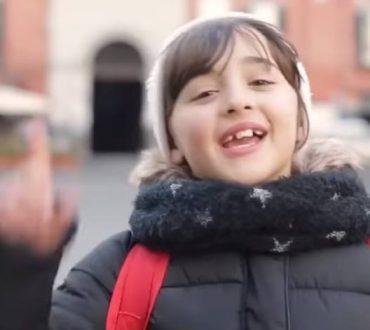 Νάπολη: Οι κάτοικοι ανοίγουν την αγκαλιά τους στους πρόσφυγες (βίντεο)