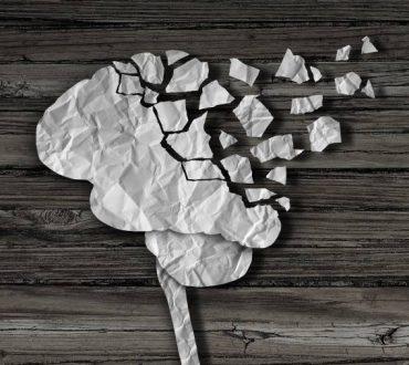 """Νόσος Αλτσχάιμερ: Πώς ο εγκέφαλος """"ξεφορτώνεται"""" αναμνήσεις ανάλογα με τη σημασία τους"""