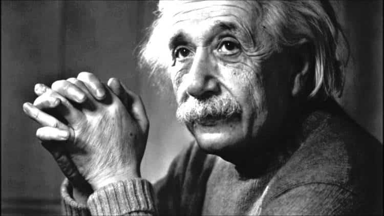Άλμπερτ Αϊνστάιν: 3 μαθήματα του λαμπρού στοχαστή για μια ουσιαστική ζωή