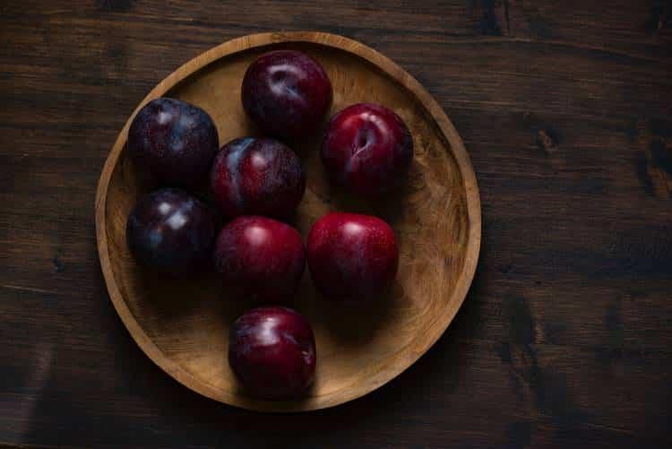 Φρούτα με κουκούτσι: Ποια ξεχωριστά οφέλη προσφέρουν στον οργανισμό μας