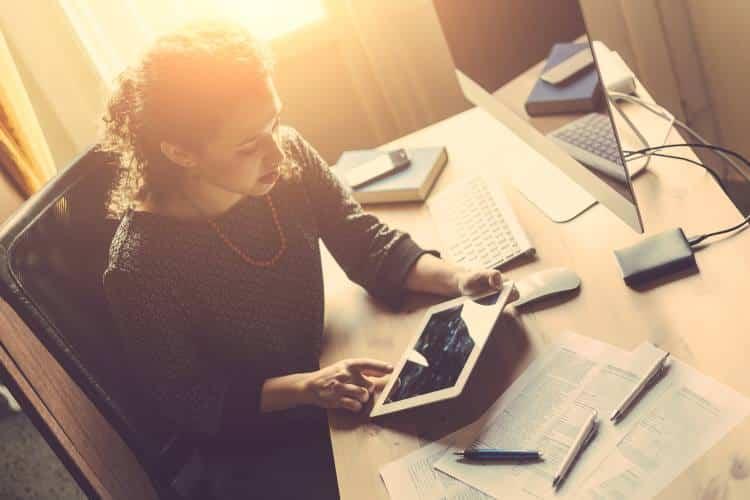 Οι γυναίκες που εργάζονται πολλές ώρες έχουν μεγαλύτερο κίνδυνο να εμφανίσουν κατάθλιψη