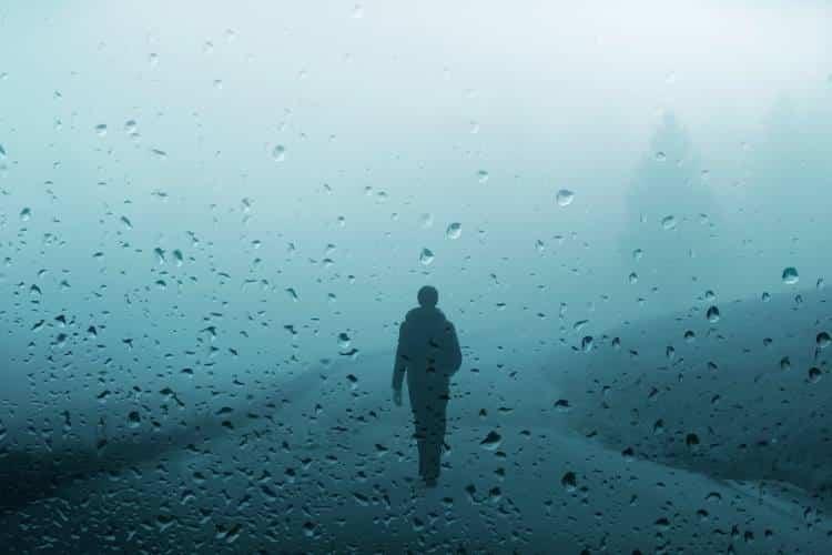 Θα περπατήσω στη βροχή...