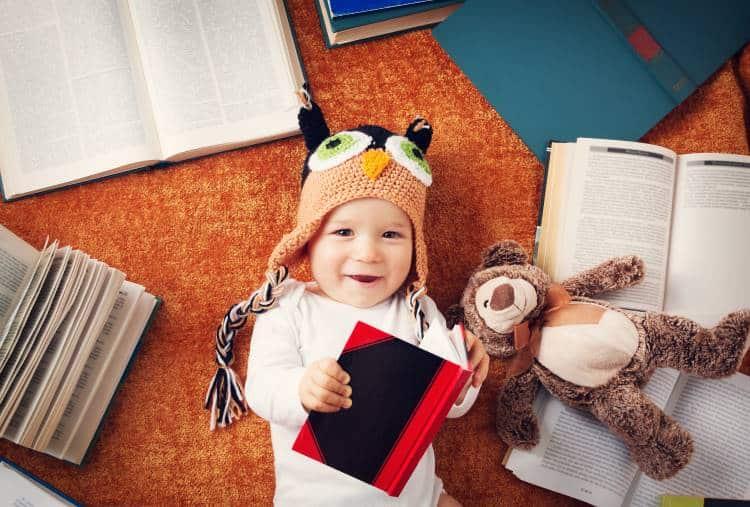 Γιατί είναι σημαντικό να διαβάζουμε ακόμα και στα νεογέννητα