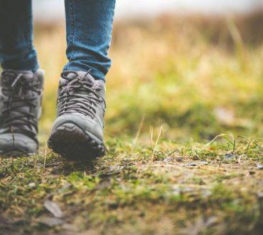 Το περπάτημα μιας ώρας μειώνει τον κίνδυνο εμφάνισης οστεοαρθρίτιδας