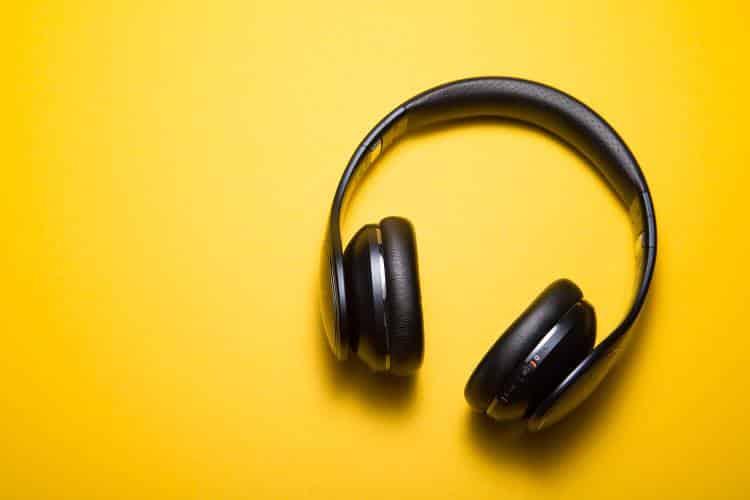 Πώς η μουσική βελτιώνει την παραγωγικότητα και τη συγκέντρωση