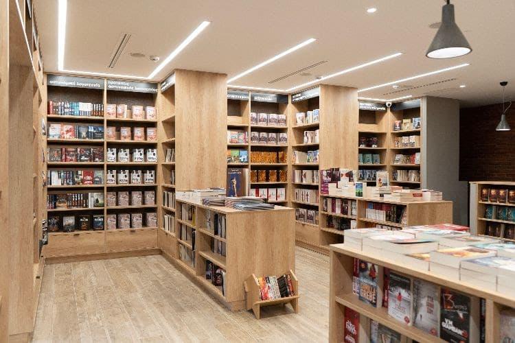 Βιβλία με θέα τη ζωή! Νέος χώρος Διόπτρα Books & Life στο κέντρο της Αθήνας