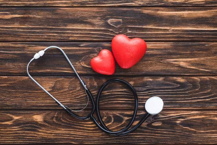 Κολπική μαρμαρυγή: Ποια είναι τα συμπτώματα, οι πιθανές αιτίες και οι θεραπείες