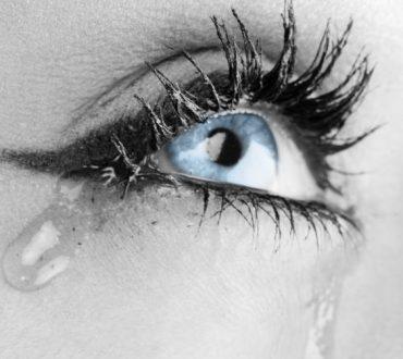 10 οφέλη του κλάματος που δείχνουν ότι είναι υγιές να εκφραζόμαστε
