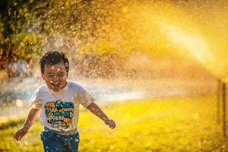 Οι πολλαπλές αποχρώσεις της χαράς που γεμίζουν τη ζωή μας