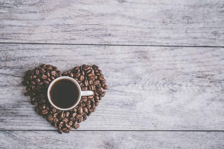 Πώς μπορούμε να καταναλώσουμε τον καφέ μας με υγιεινό τρόπο