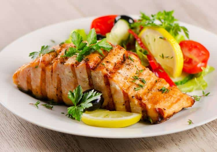 4 γεύματα που περιέχουν τα χαμηλότερα επίπεδα υδατανθράκων