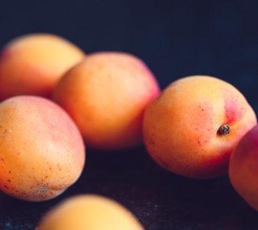 6 καλοκαιρινές τροφές που μειώνουν τις φλεγμονές