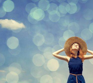 Louise L. Hay: Πώς αποτυπώνονται τα συναισθήματα και οι σκέψεις μας στο σώμα