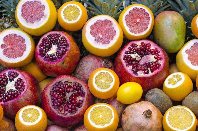 13 τροφές που μας προστατεύουν από την ηλιακή ακτινοβολία