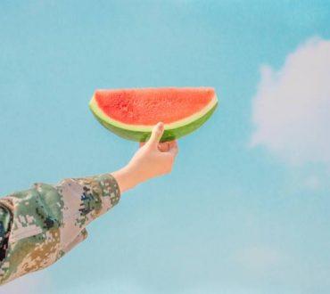 8 υγιεινές τροφές που ενυδατώνουν τον οργανισμό μας