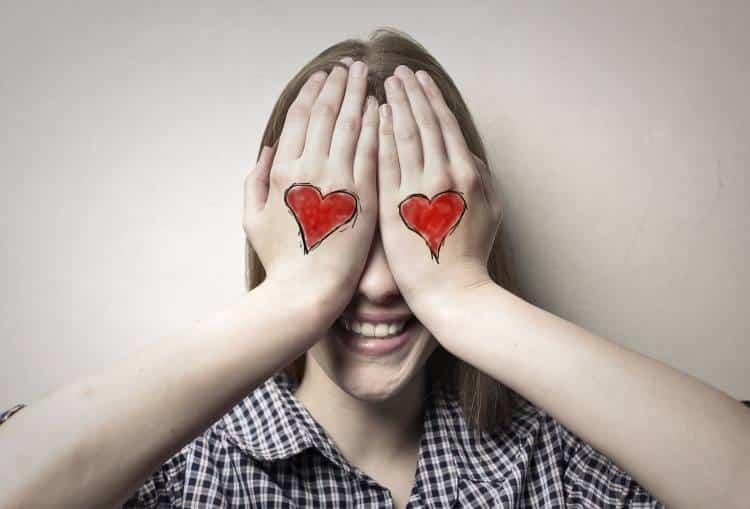 Η αγάπη δεν είναι τυφλή. Απλά παραβλέπει αυτά που βλέπει για να δει αυτά που θέλει