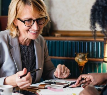 Έρευνα: Οι γυναίκες με αμειβόμενη εργασία έχουν μικρότερη έκπτωση της μνήμης σε μεγαλύτερη ηλικία