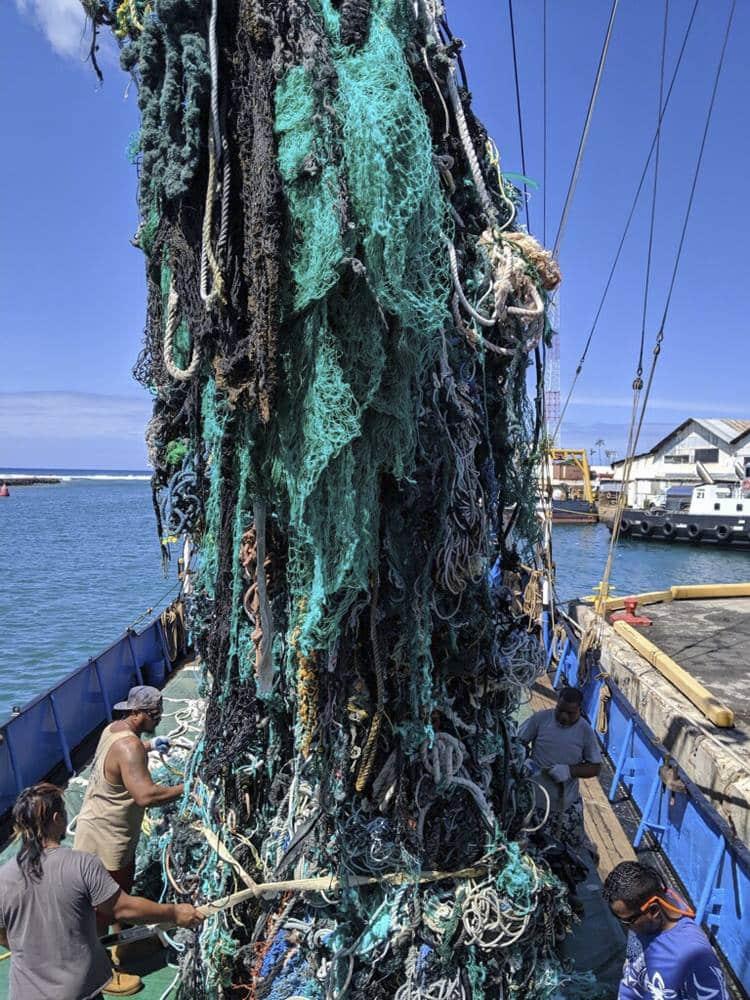 Περιβαλλοντική ομάδα αφαίρεσε 40 τόνους πλαστικού από τον Ειρηνικό Ωκεανό