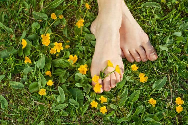 Πρησμένα πόδια: Ποιες είναι οι πιθανές αιτίες και τρόποι αντιμετώπισης
