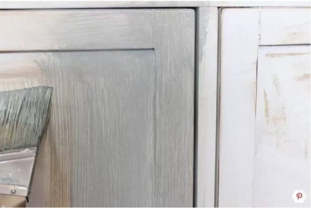Πώς να δώσουμε παλαιωμένη όψη στα ξύλινα έπιπλα