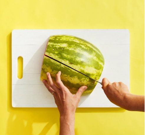 Πώς να κόψουμε με έξυπνο τρόπο το καρπούζι (φωτογραφίες)