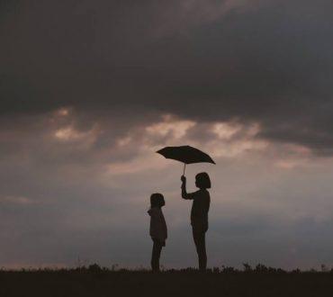 Η θεραπευτική δύναμη του να προσφέρουμε στους άλλους