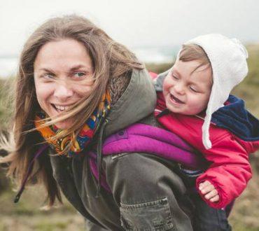 Έρευνα: Η ηλικία των γονιών επηρεάζει τη συμπεριφορά των παιδιών