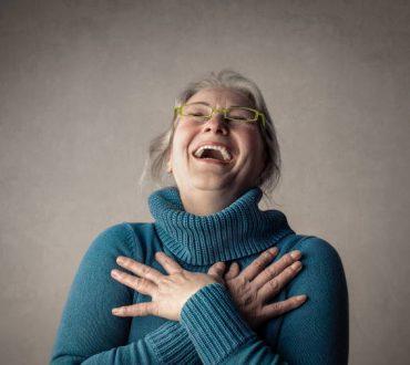 Το γέλιο φανερώνει ζεστή καρδιά και είναι το κλειδί για την ευτυχία