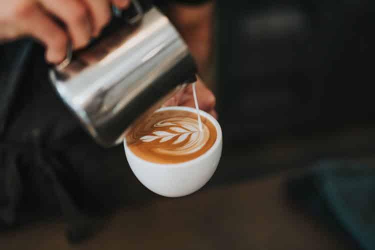 Πώς τα διαφορετικά είδη καφέ επηρεάζουν το σώμα και τον εγκέφαλό μας