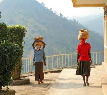 Το παράδειγμα της Ρουάντα: Πώς η χώρα κατάφερε να γίνει μία από τις καθαρότερες στον πλανήτη