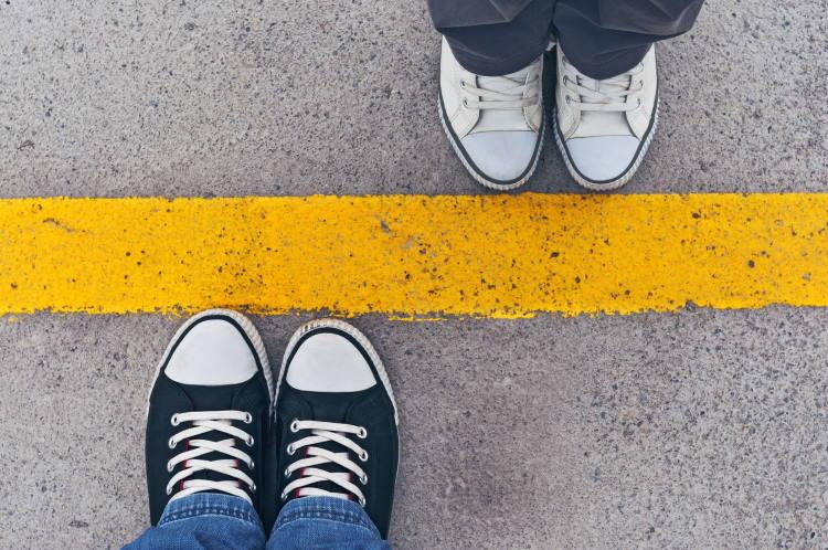 Πώς να βάλουμε σωστά όρια στους άλλους και να τα διατηρήσουμε