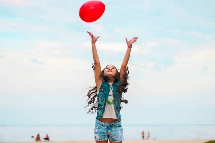 7 θετικές εμπειρίες της παιδικής ηλικίας που χτίζουν μια υγιή ενήλικη ζωή