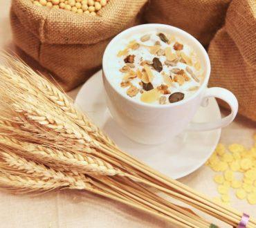 Βιταμίνη Β12: Πόσο σημαντική είναι για τον οργανισμό μας και σε ποιες τροφές βρίσκεται